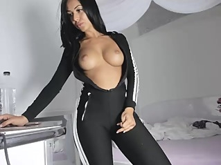 amateur big tits straight at vPorn
