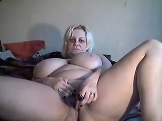 amateur bbw big tits at vPorn