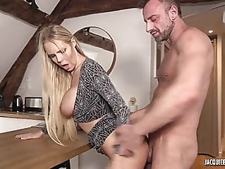amateur anal blonde at vPorn