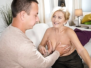 big ass big tits blonde at vPorn